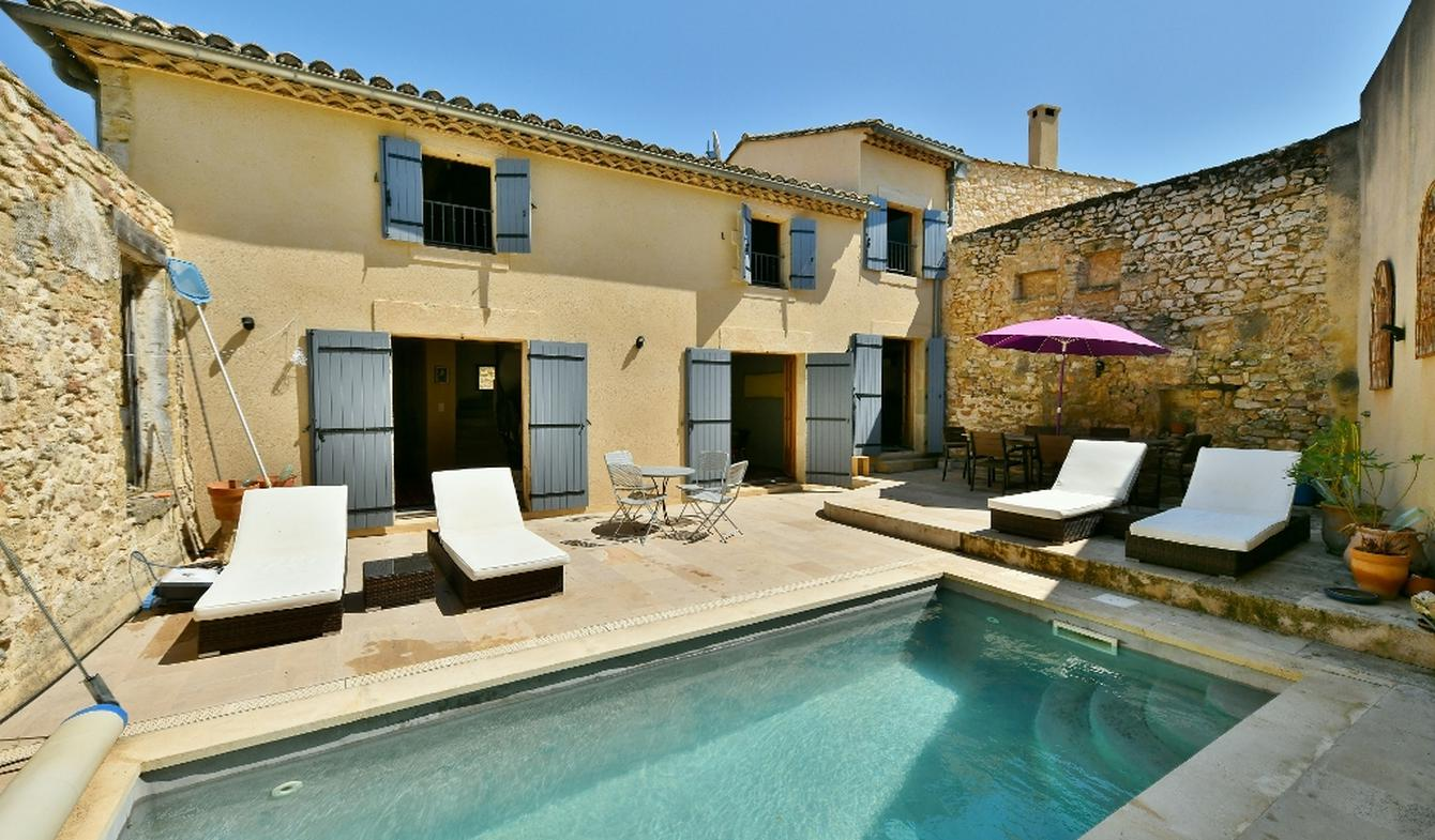 Property with pool Uzès