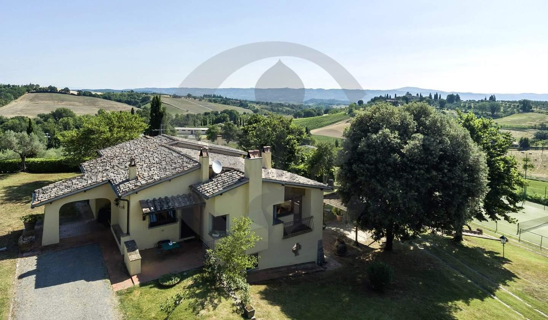 Villa with pool and garden Cetona