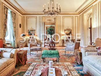 Appartement 8 pièces 450,54 m2