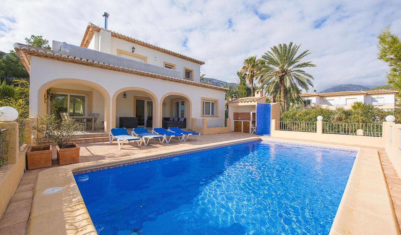 Villa avec piscine en bord de mer Calp