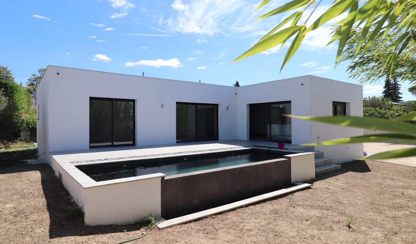 Villa avec piscine et terrasse Ales