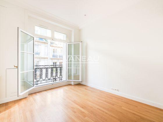 Location appartement 5 pièces 262 m2