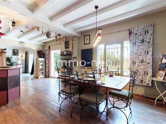 Vente villa 6 pièces 208 m2