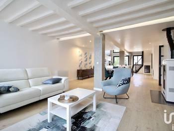 Maison 6 pièces 217 m2