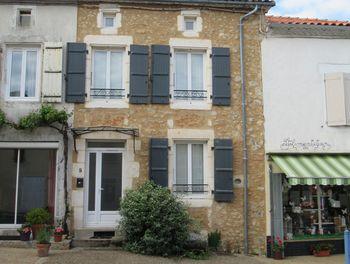 locaux professionels à Massignac (16)
