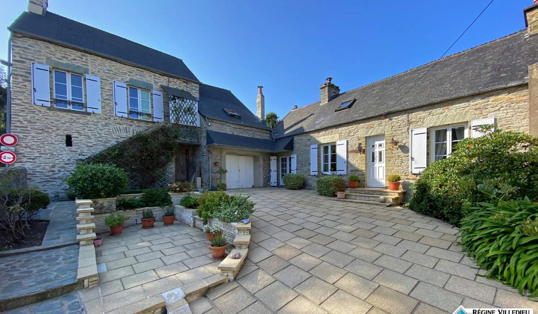 Maison avec terrasse Equeurdreville-Hainneville