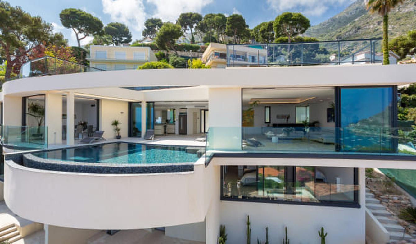Seaside villa with pool Eze
