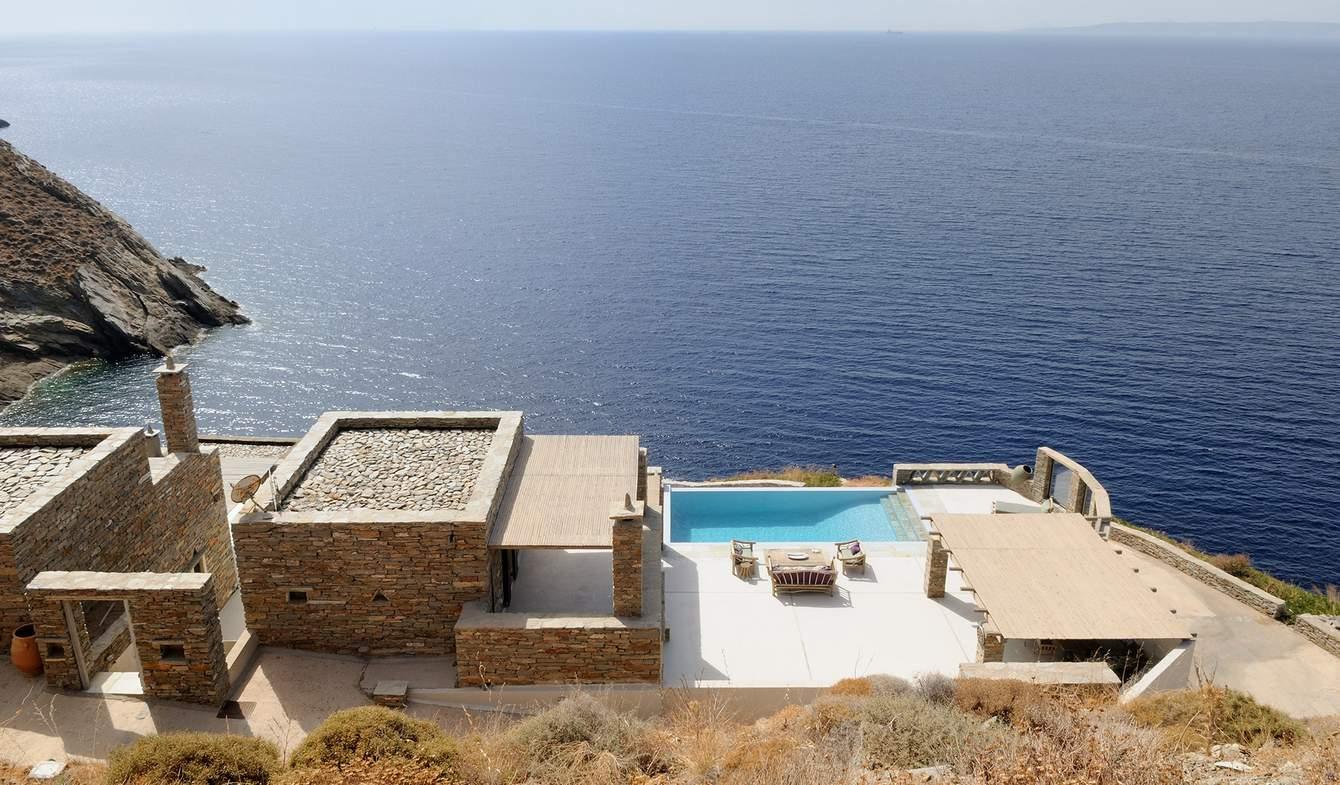 Villa avec piscine en bord de mer Kea