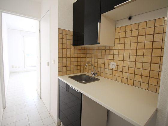 Location studio 23,51 m2