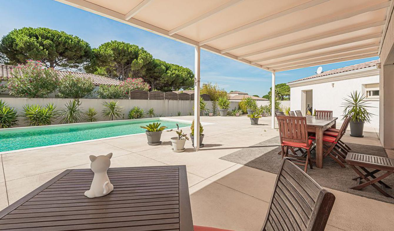 House with pool and terrace Grau d'Agde