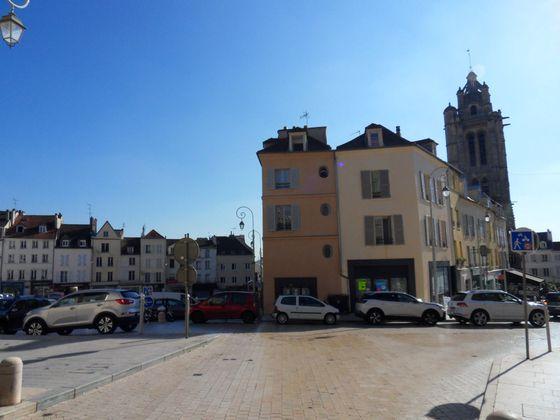 Pontoise, Divers