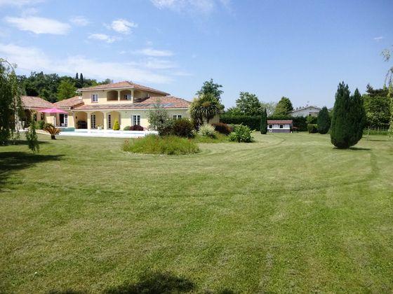 Vente villa 5 pièces 247 m2