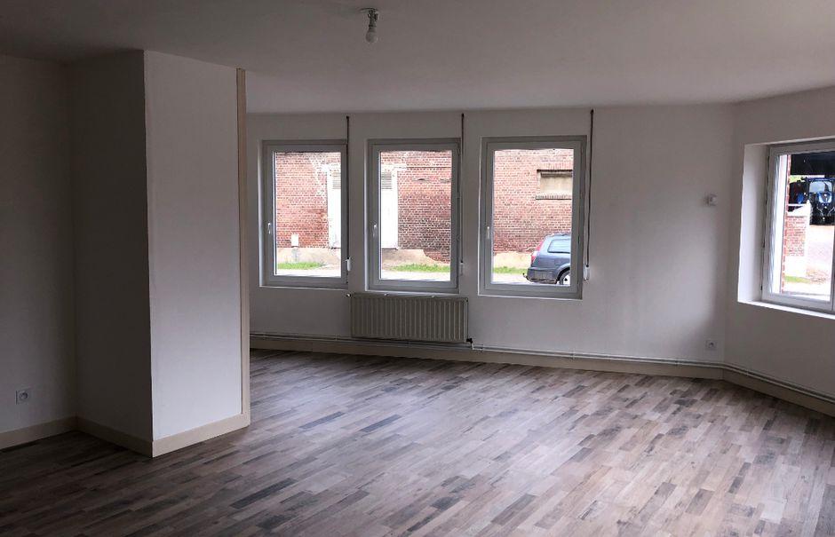 Location  appartement 2 pièces 59.9 m² à Jussy (02480), 465 €
