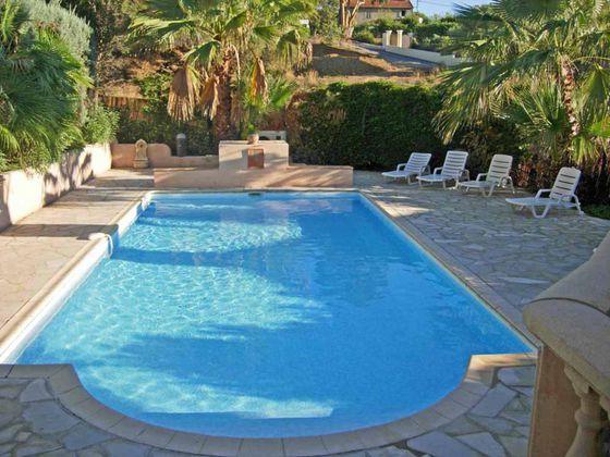Vente villa 6 pièces 215 m2