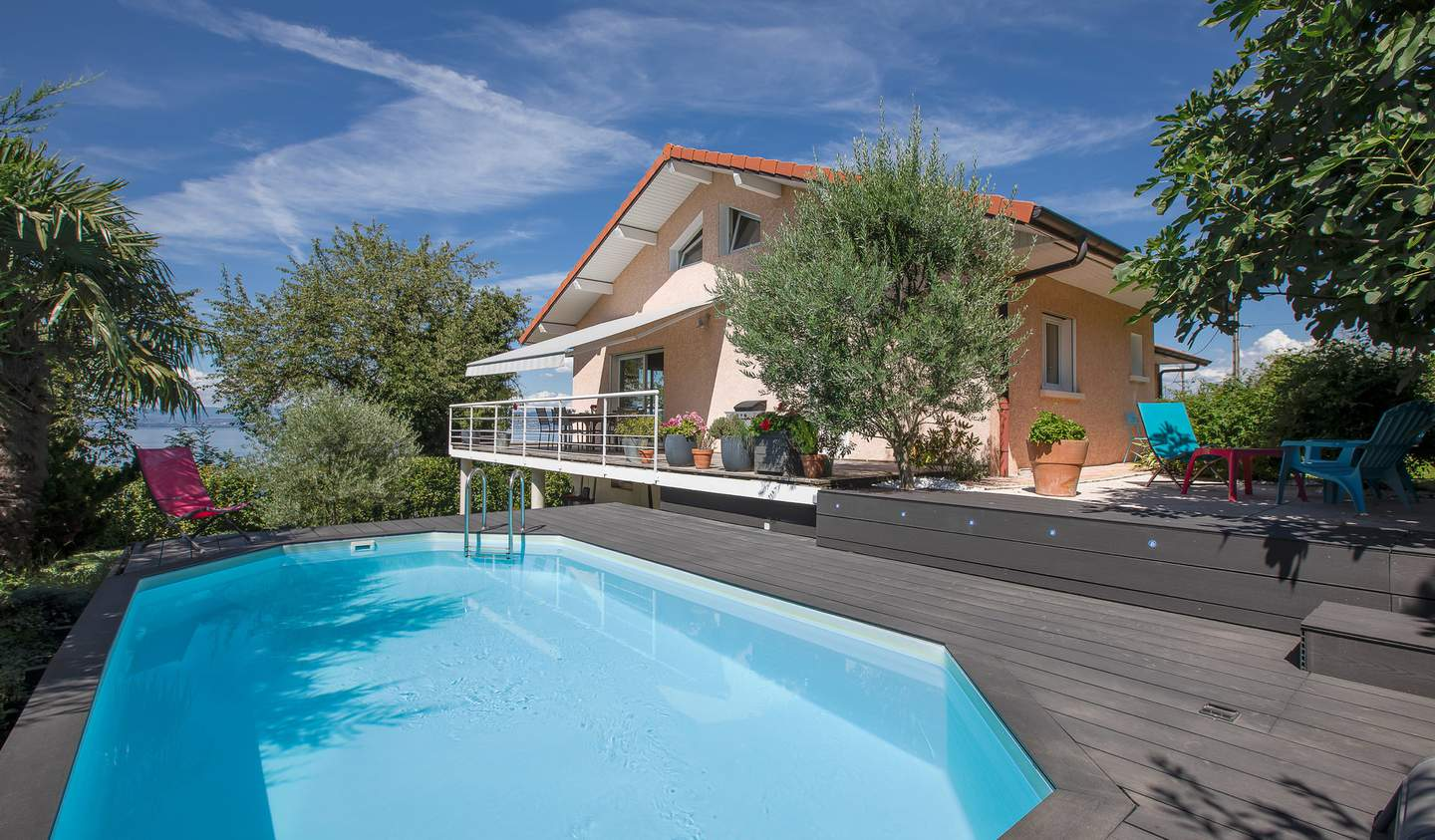 House with pool Lugrin