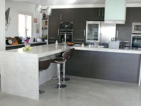 Vente villa 6 pièces 177,5 m2