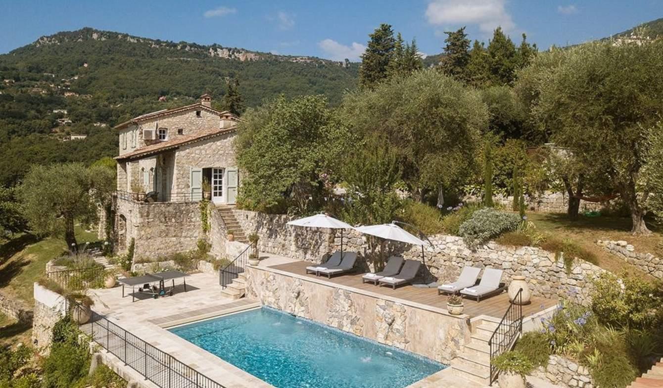 Villa with pool and garden Le Bar-sur-Loup