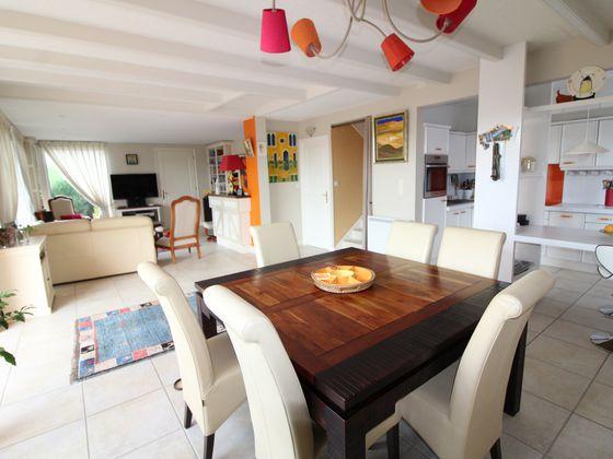 Vente maison 8 pièces 181 m2