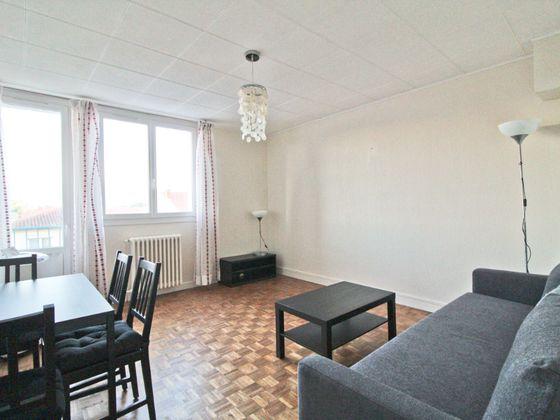 Location appartement 4 pièces 69,08 m2