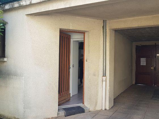 Location studio meublé 24,25 m2