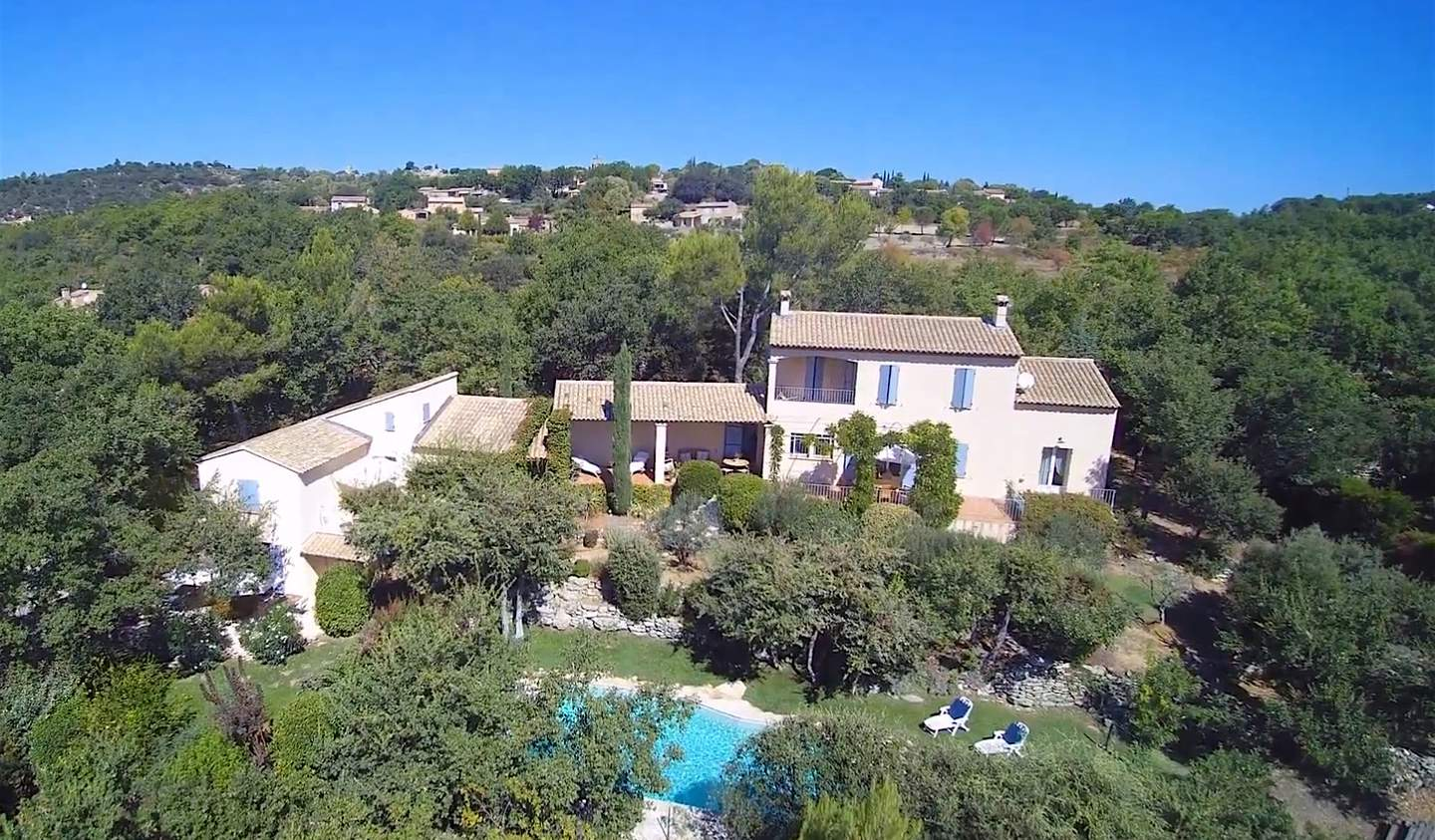 Property with pool Goult