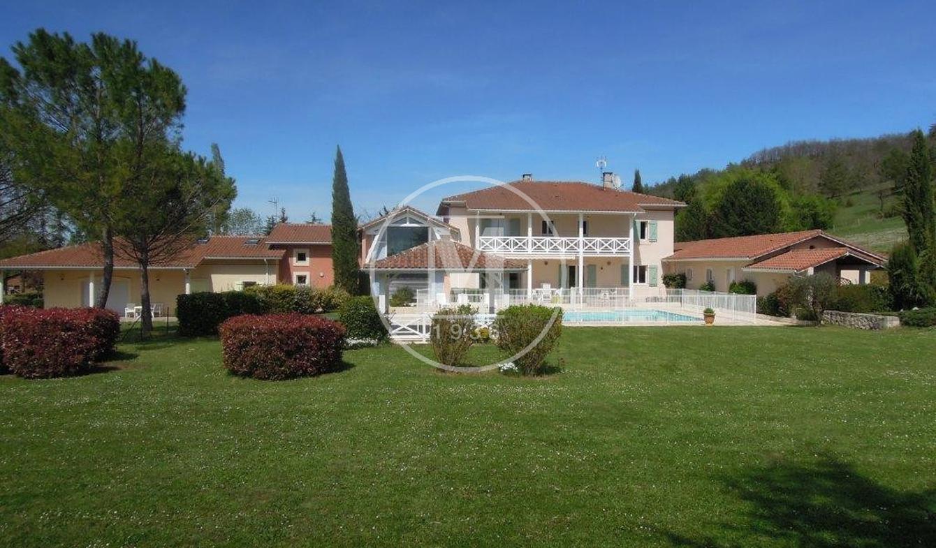 Villa avec piscine et terrasse Auch