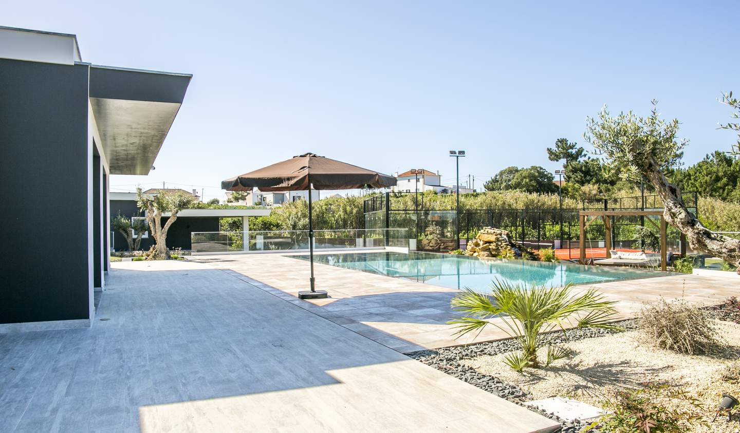 Property with pool and garden Mafra