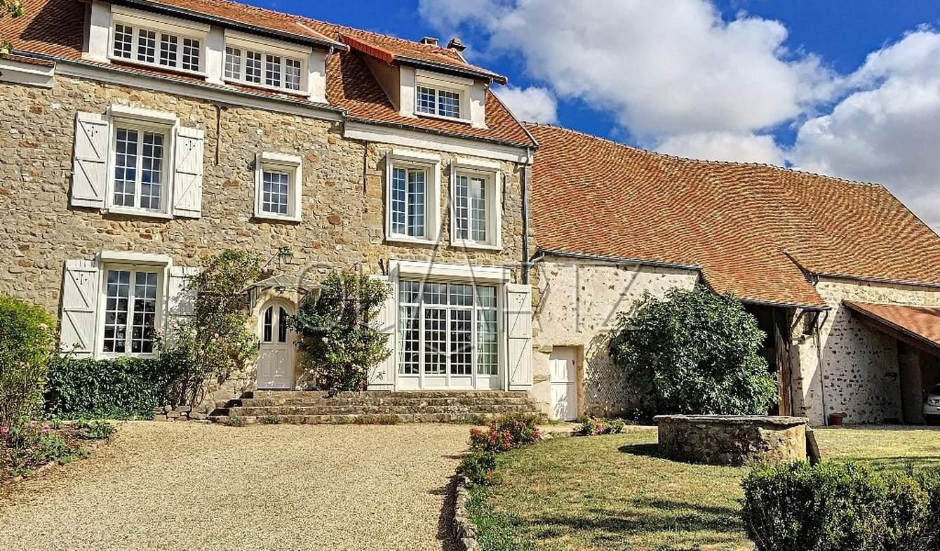 Maison Pontoise
