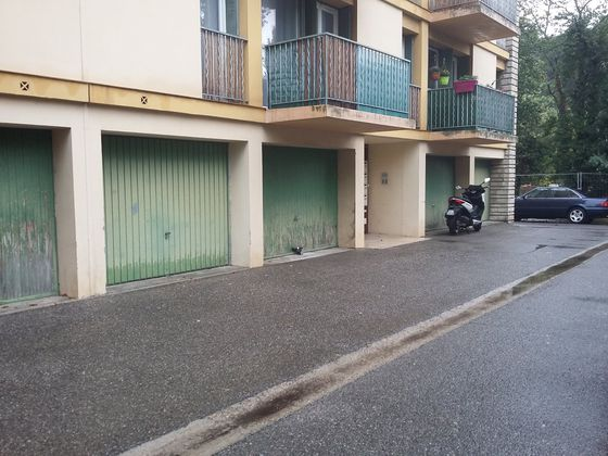 Location parking 20 m2
