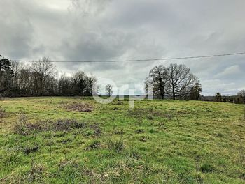 terrain à Milhac-d'Auberoche (24)