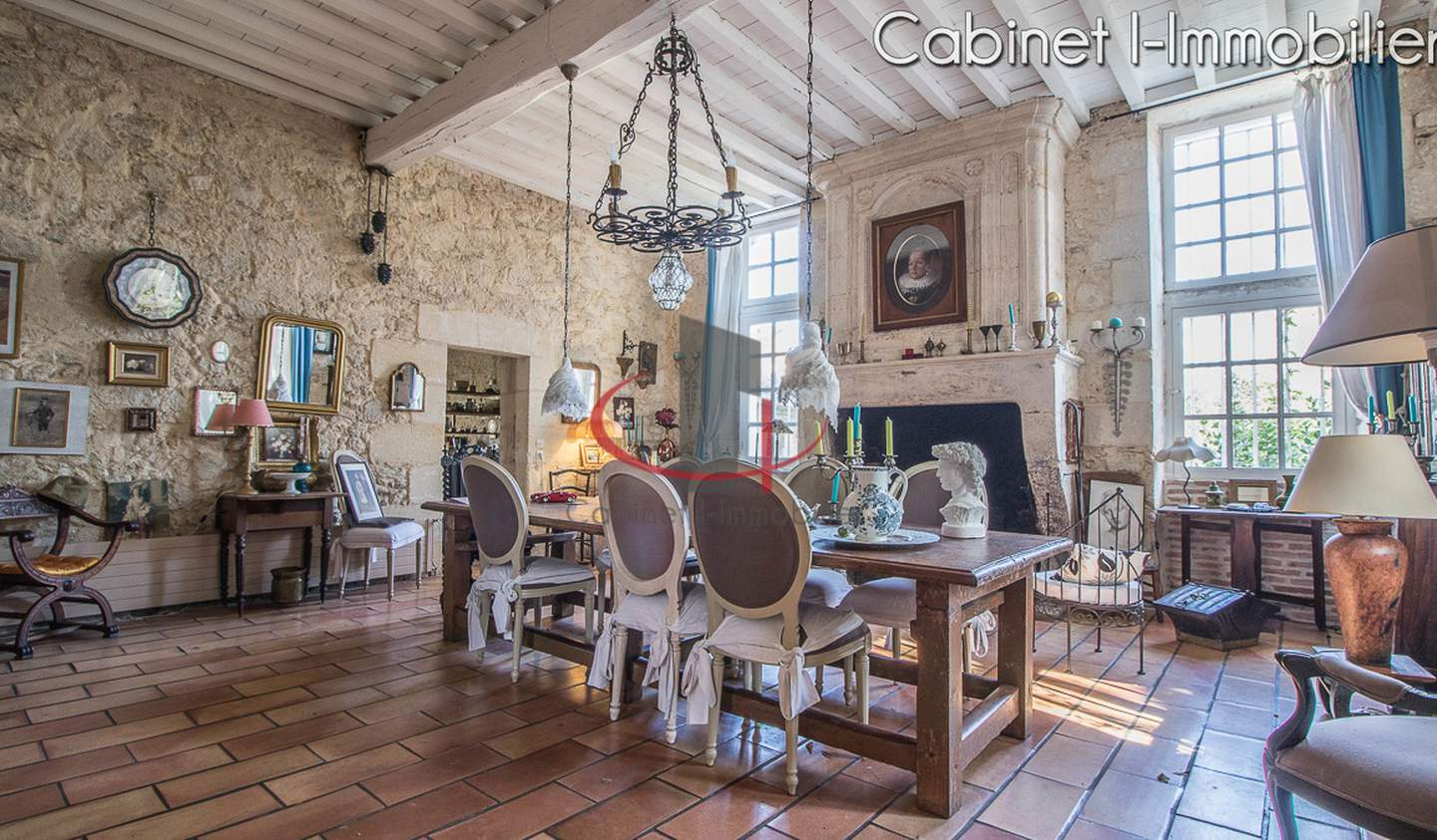 House with pool and terrace Libourne
