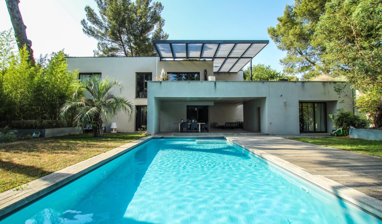 House with pool and terrace Villeneuve-les-avignon