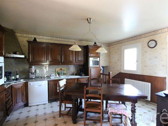 Vente maison 10 pièces 247 m2