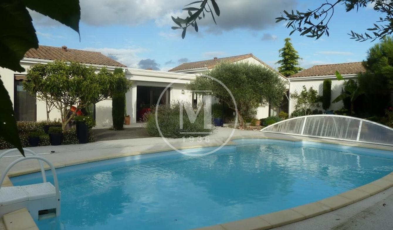 Villa avec piscine Saint-Maixent-l'Ecole