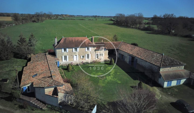 House Bonneuil-Matours