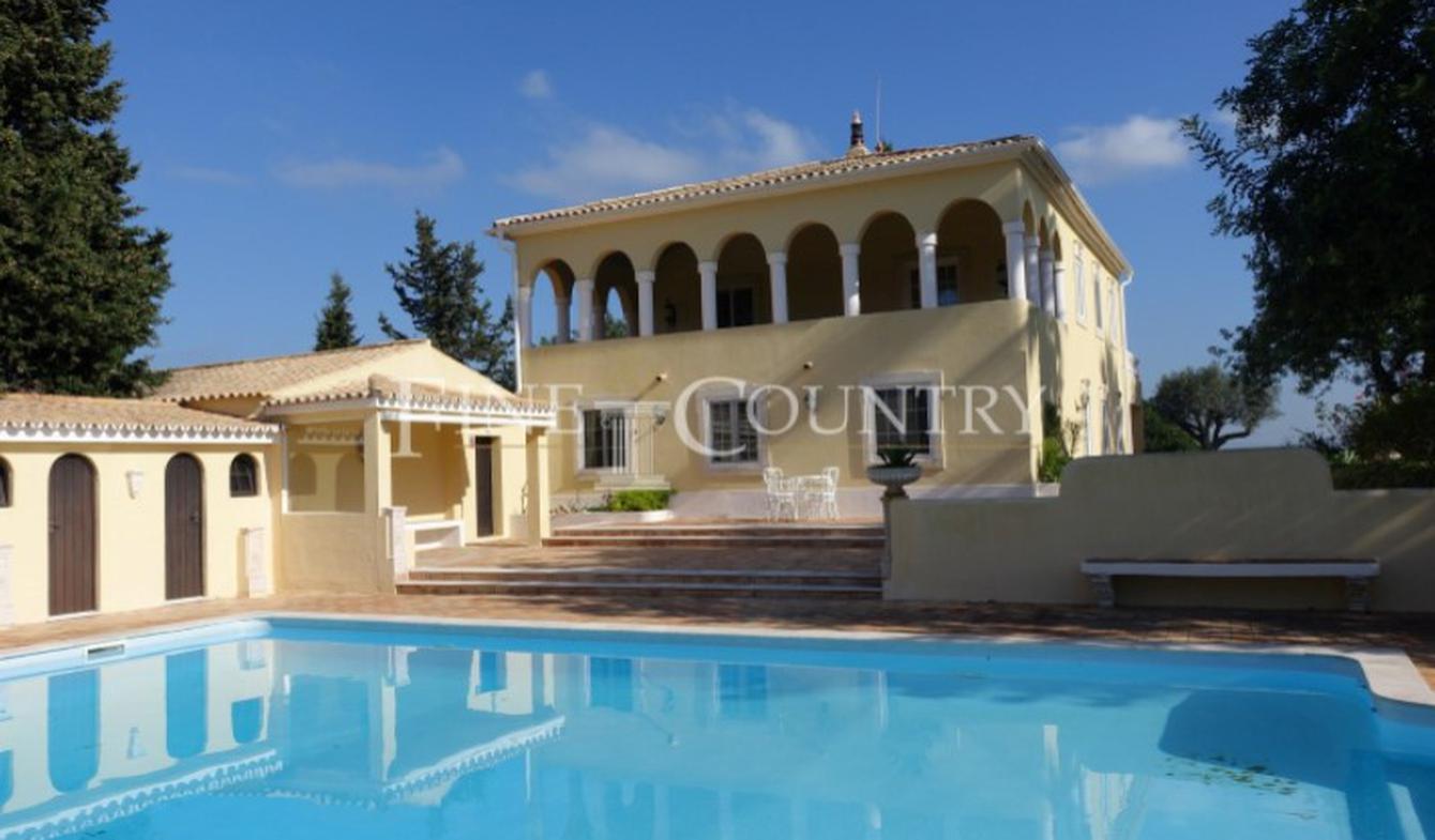 Villa avec jardin et terrasse Porches