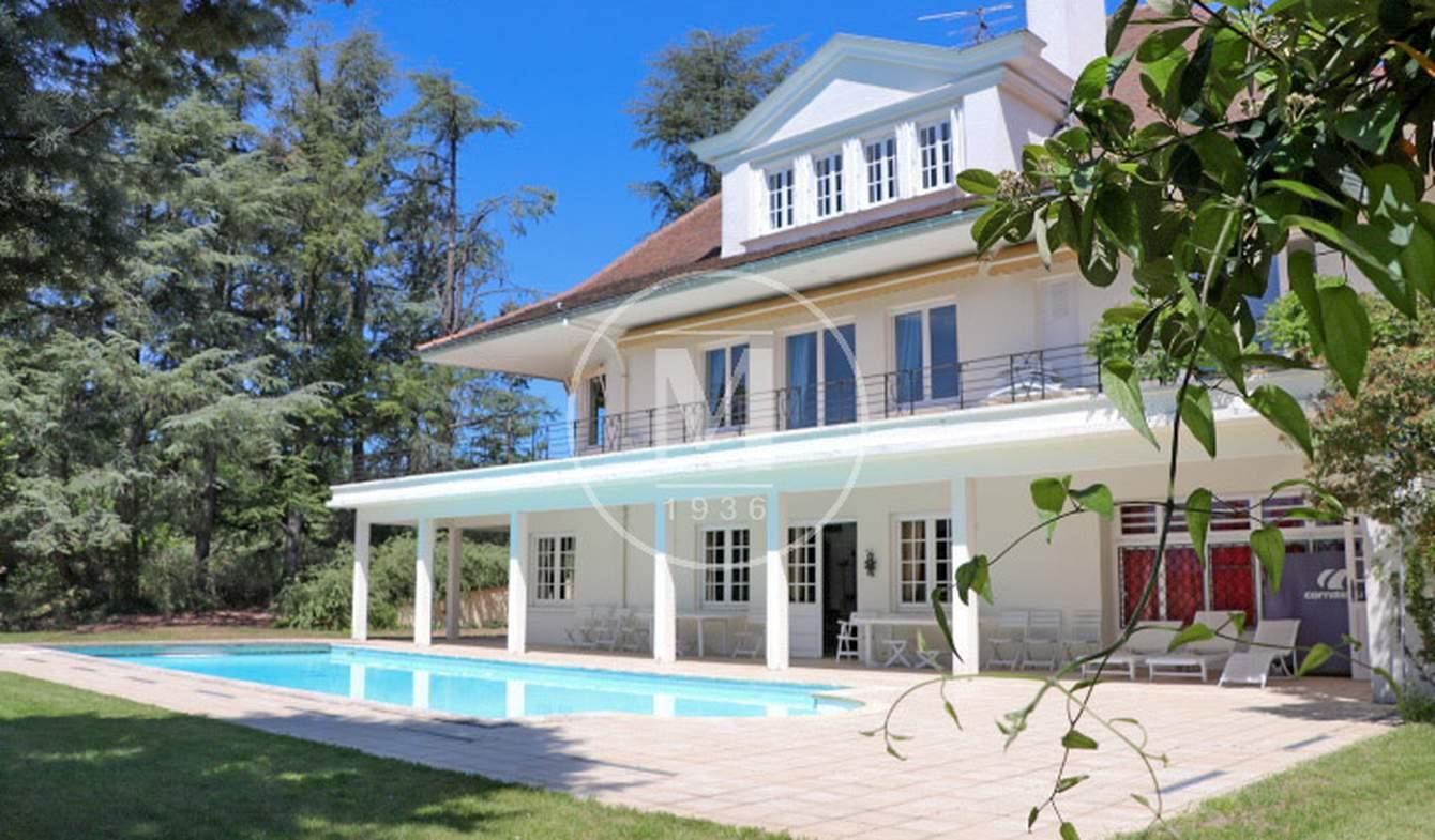 Maison avec piscine et terrasse Roanne