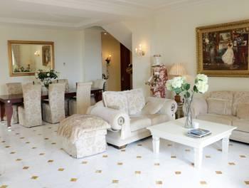 Appartement 6 pièces 206 m2