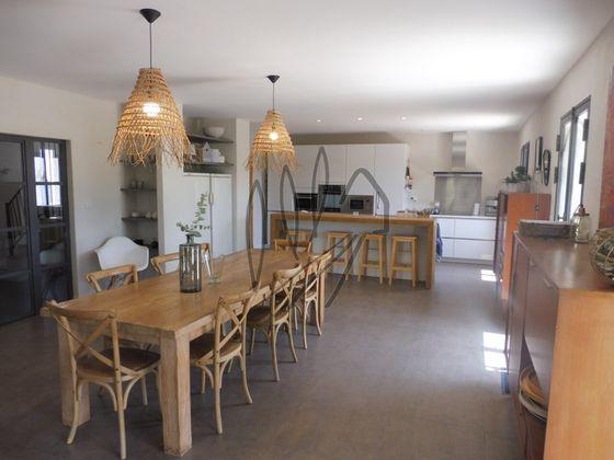 Vente villa 10 pièces 331 m2