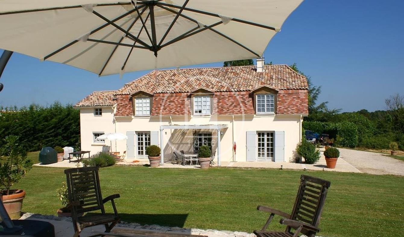House with pool and terrace Duras