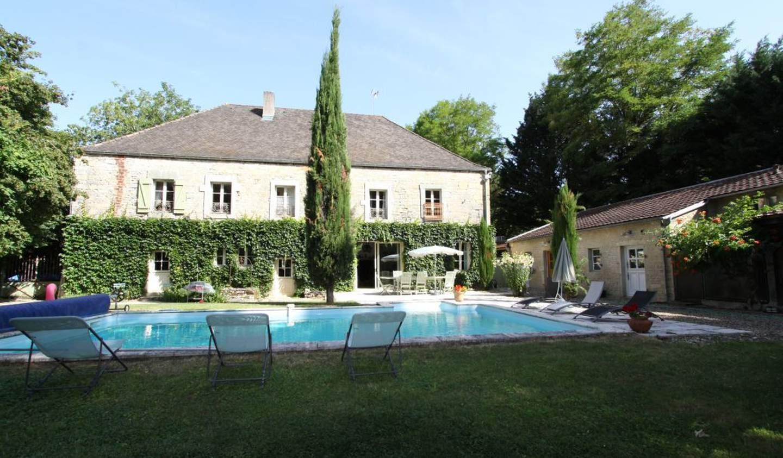 Propriété avec piscine et jardin Nuits-Saint-Georges