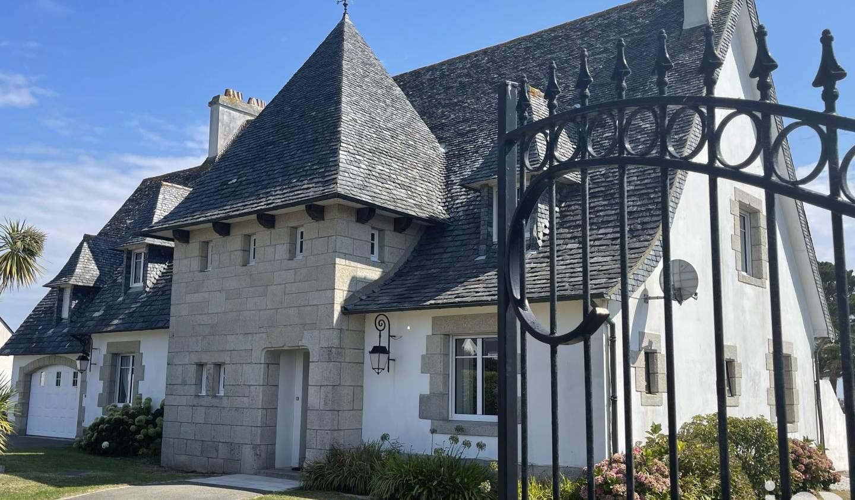 Maison avec piscine et terrasse Guilvinec