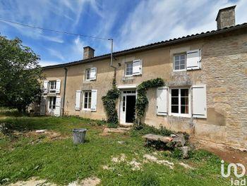 maison à Mairé-Levescault (79)