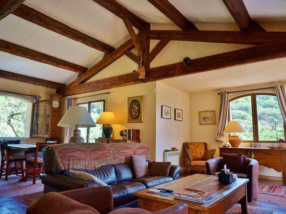 Vente propriété 8 pièces 6500 m2