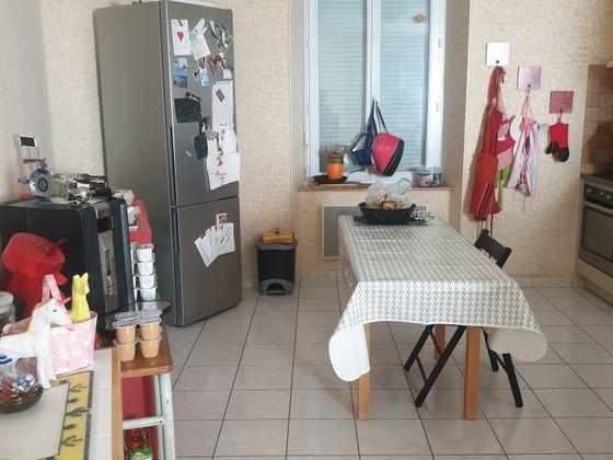 Location maison 4 pièces 135 m2