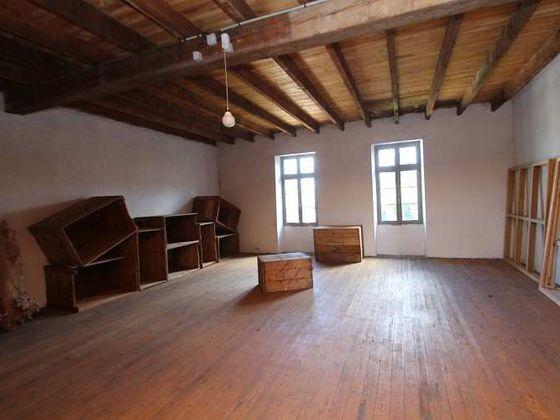 Vente maison 4 pièces 660 m2