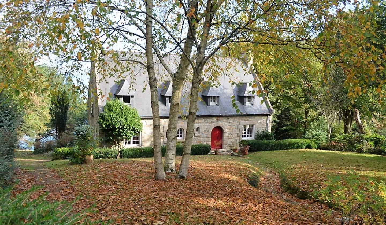 House with terrace Poullan-sur-Mer