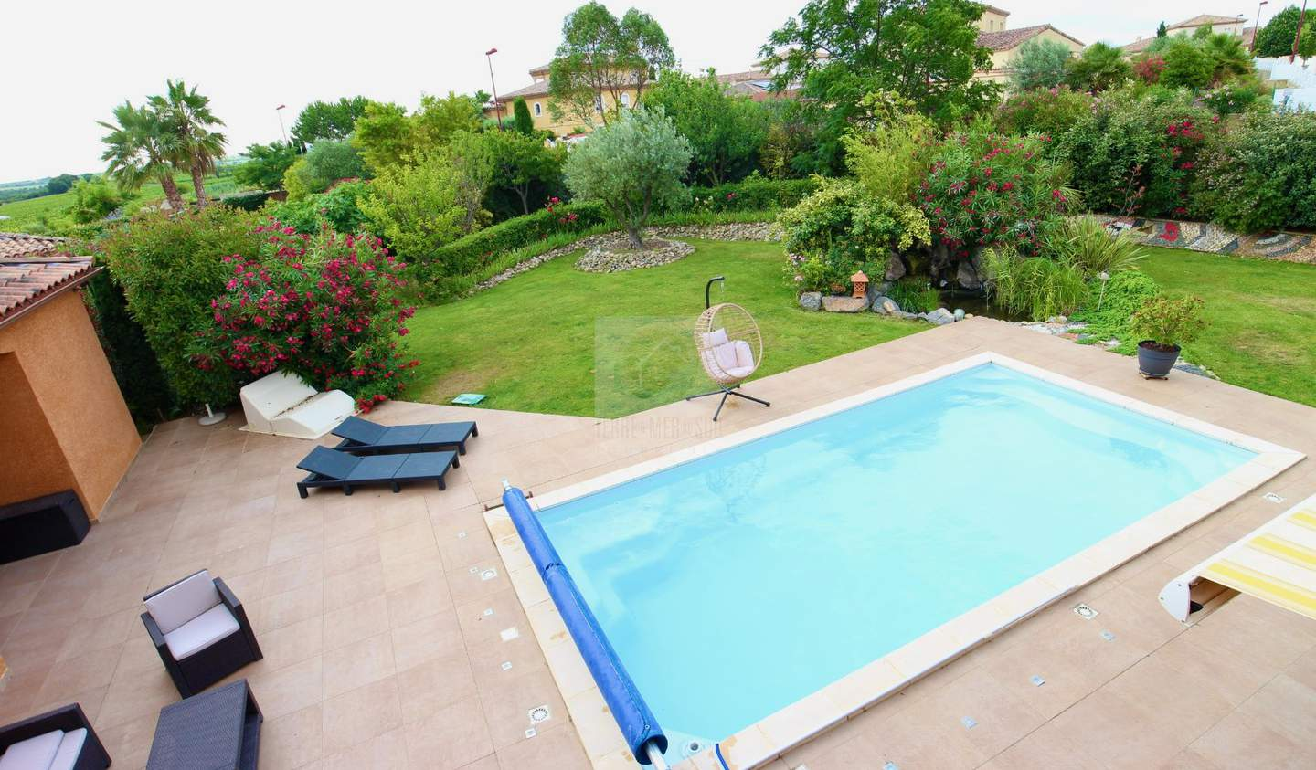 Villa with pool and terrace Puimisson
