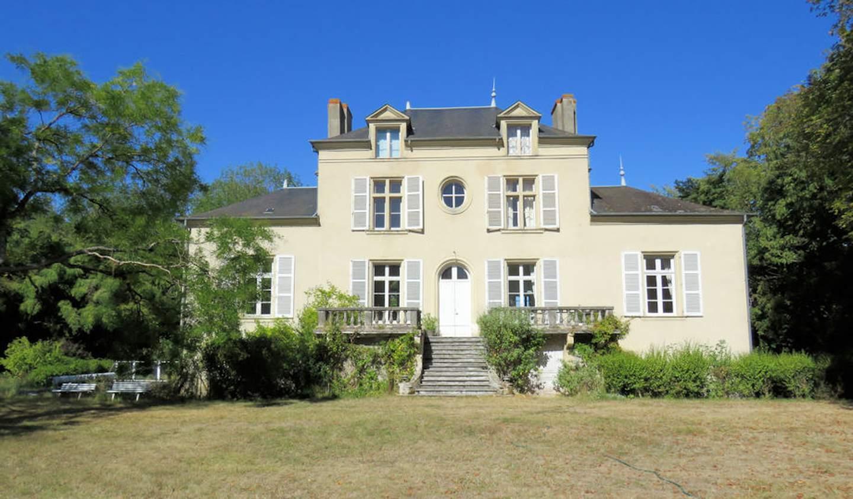 Château Saint-Pierre-le-Moûtier