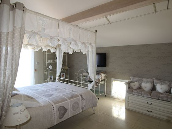 Vente maison 6 pièces 262 m2